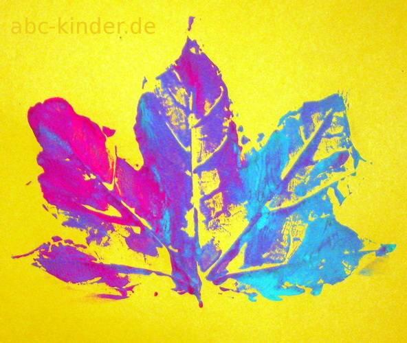 Herbstblatt gestempelt