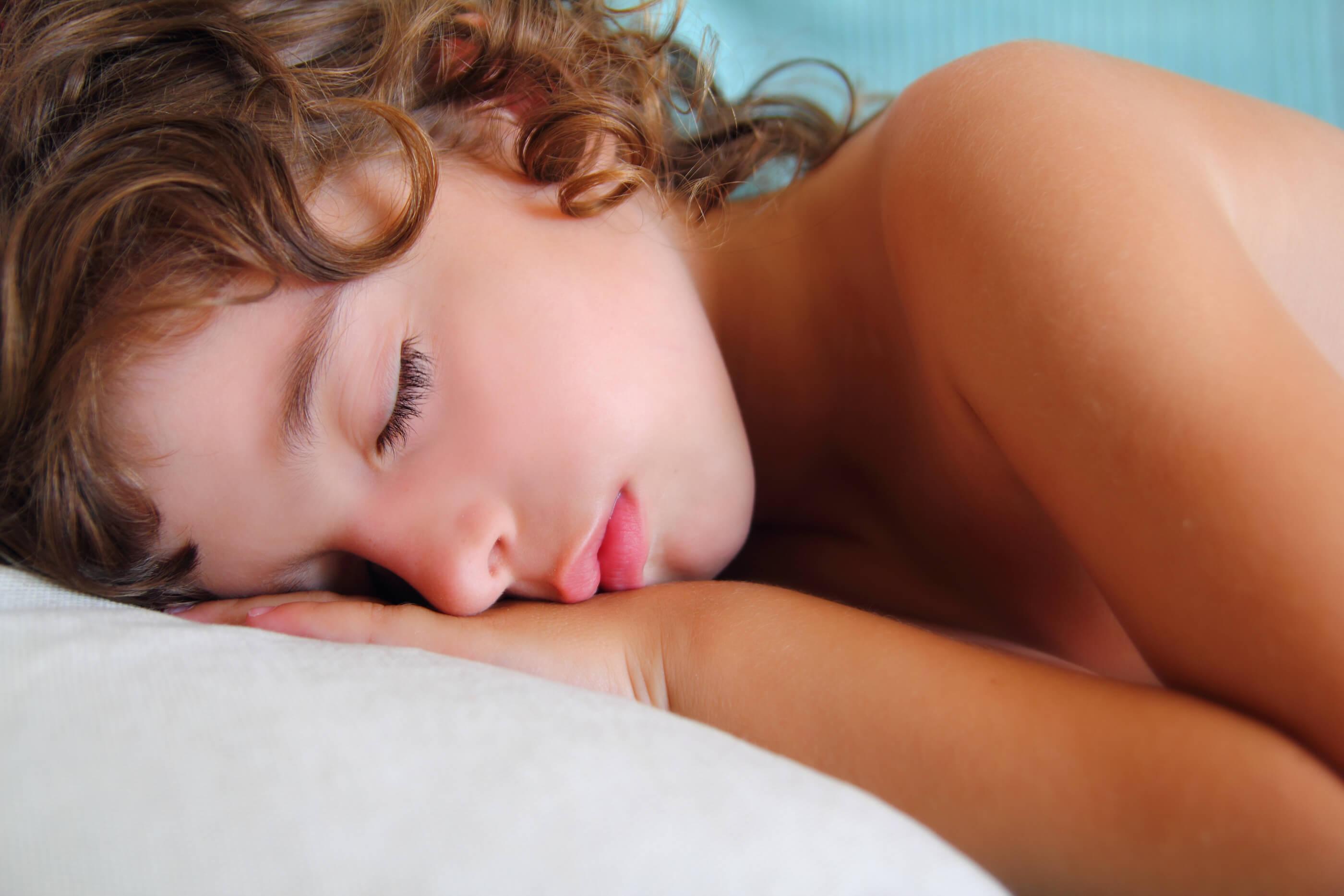 Фото писек спящих девушек, Голые спящие Фото голых девушек 23 фотография