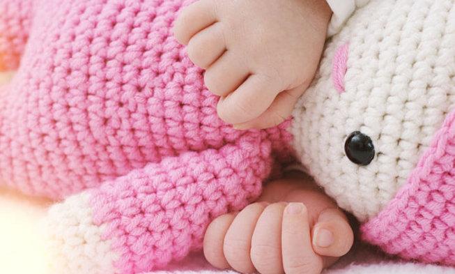 Wie Kann Man Das Baby Ans Eigene Bett Gewohnen Abc Kinder Blog Fur Eltern