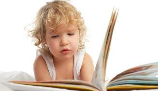 Lesen bildet – und neuer Lesestoff ist daher immer ein tolles (Weihnachts)Geschenk!
